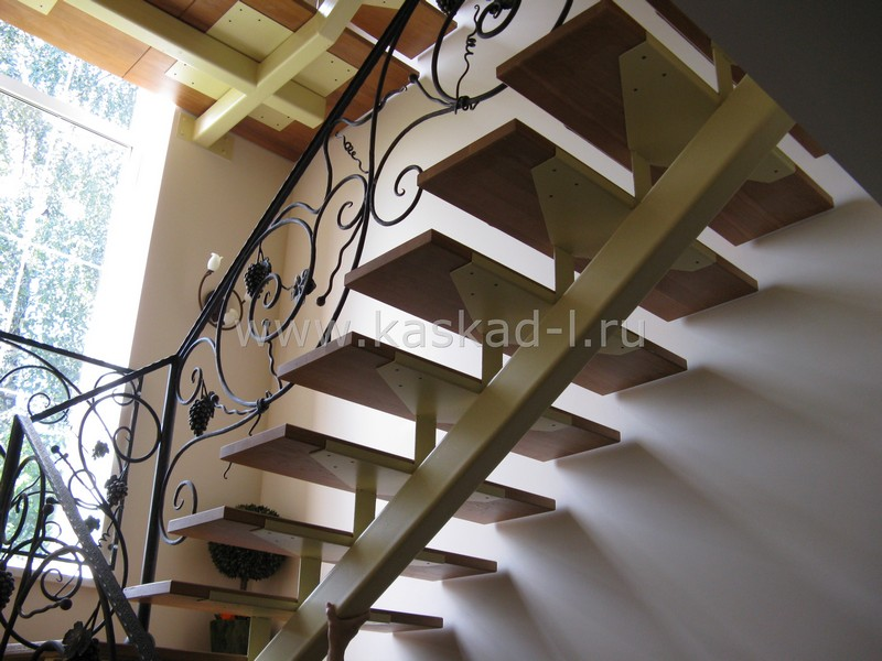 Лестница на косоурах своими руками фото